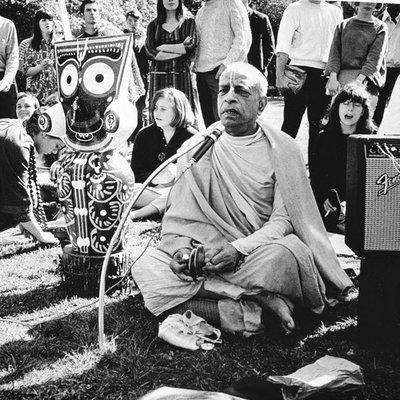 CD12-Hare Krishna Mahamantra